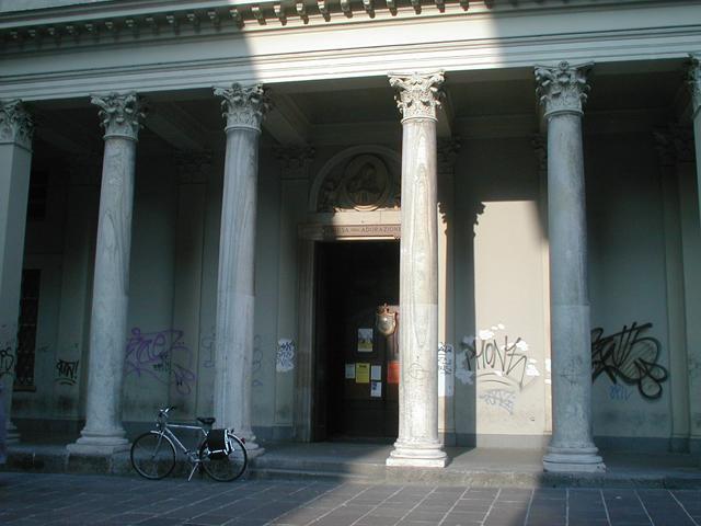 Colonne portico limbiate villa medolago portico con for Antica finestra a tre aperture